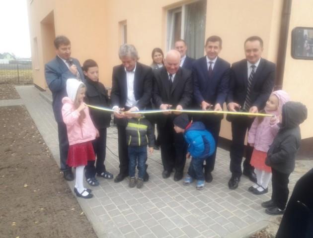Біля Луцька відкрили два дитбудинки сімейного типу. ФОТО