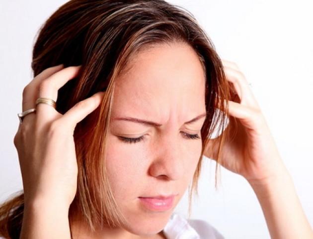 Чому шумить у вухах та коли варто звернутися до лікарні