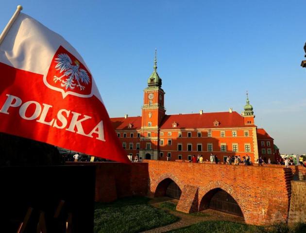 Польща хоче обмежити рух авто на «євробляхах» через кордон
