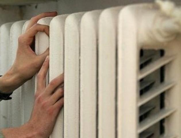Чому в деяких квартирах лучан холодно