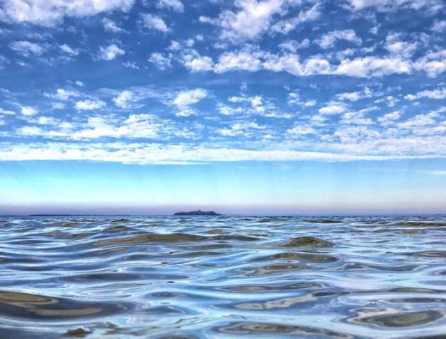 Волиняни поділилися осінніми світлинами Шацьких озер