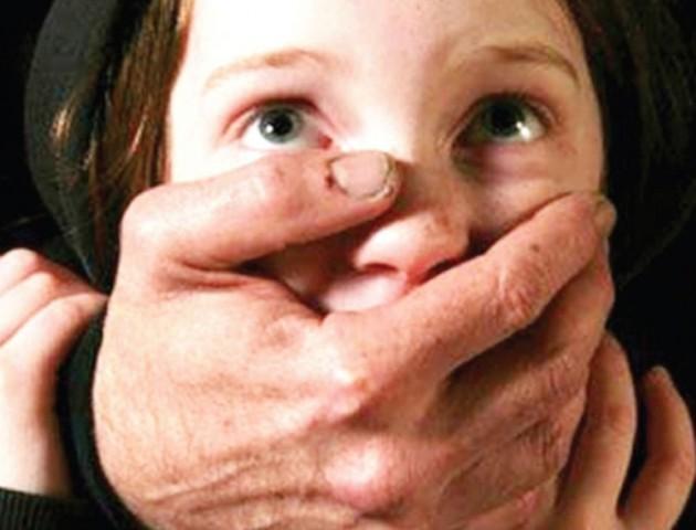 65-річний педофіл розбещував 12-річну дівчинку