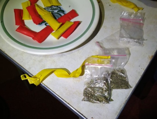 На Волині викрили групу наркоторговців, які продавали амфетамін через інтернет. ФОТО