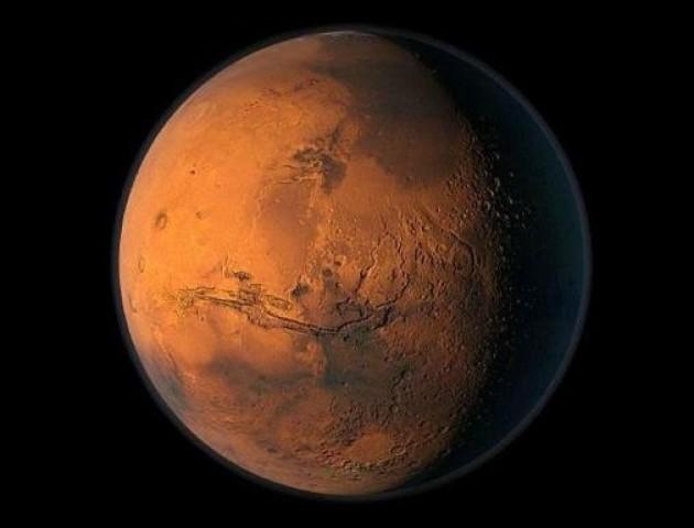 Вчені показали рідкісний знімок Марса