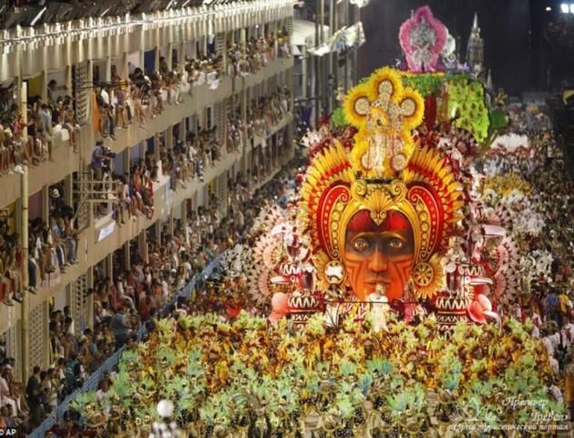 У Бразилії проходить всесвітньо відомий карнавал