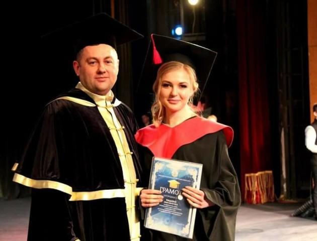 «Ми це зробили!», - ректор Луцького НТУ вручив дипломи магістрам. ФОТО