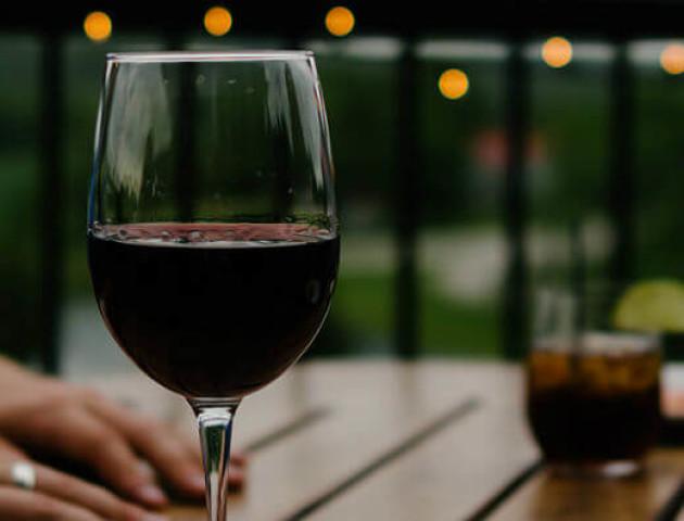 Учені сказали, що потрібно пити, щоб довго жити
