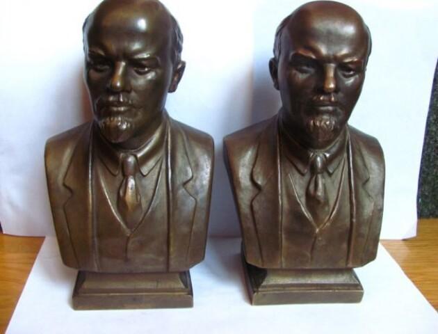 У квартирі лучанина знайшли 2 десятки погрудь Леніна і Сталіна. Він робив із них бізнес