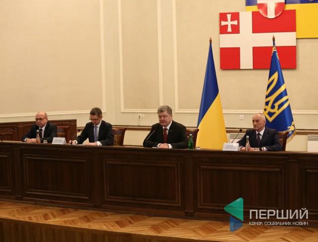 Порошенко приїхав на Волинь з новим головою ОДА. ФОТО