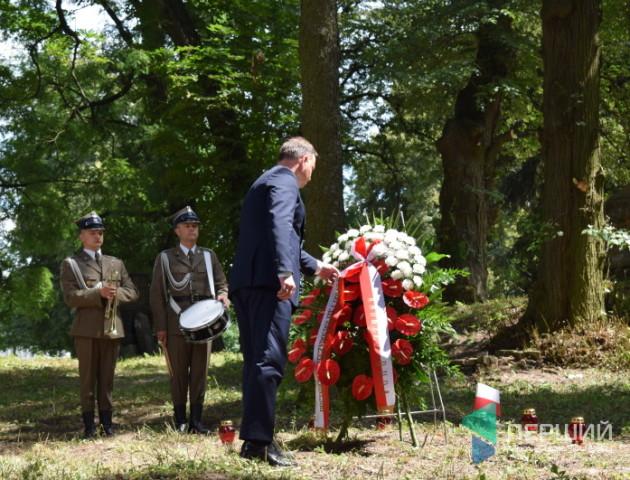 Президенти України та Польщі вшанували жертв Волинської трагедії. ВІДЕО