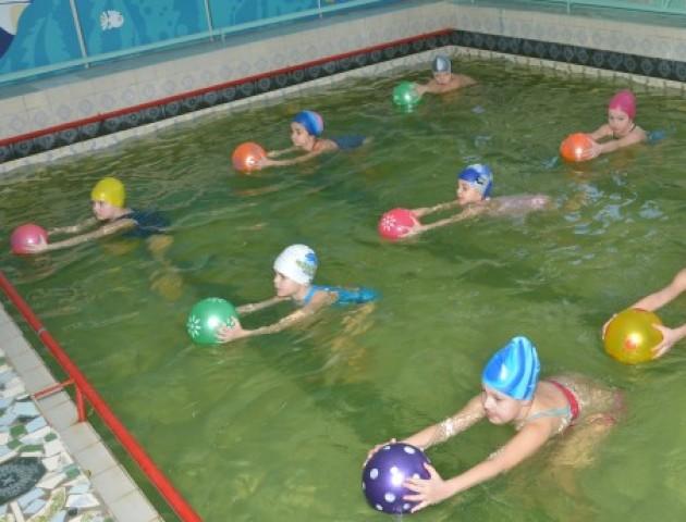 У луцькій гімназії незабаром відремонтують басейн. ФОТО