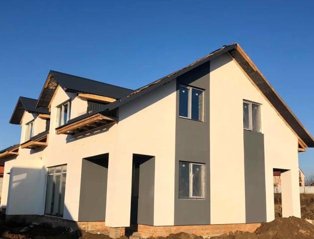 Під Луцьком продають новий 2-поверховий будинок. Ціна - 10 000 грн/кв.м  ФОТО