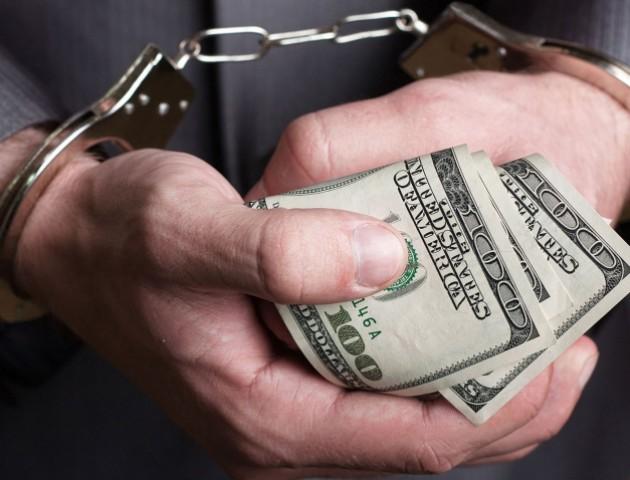 Прокуратура повідомила про підозру іноземцю, який хотів підкупити міграційну службу