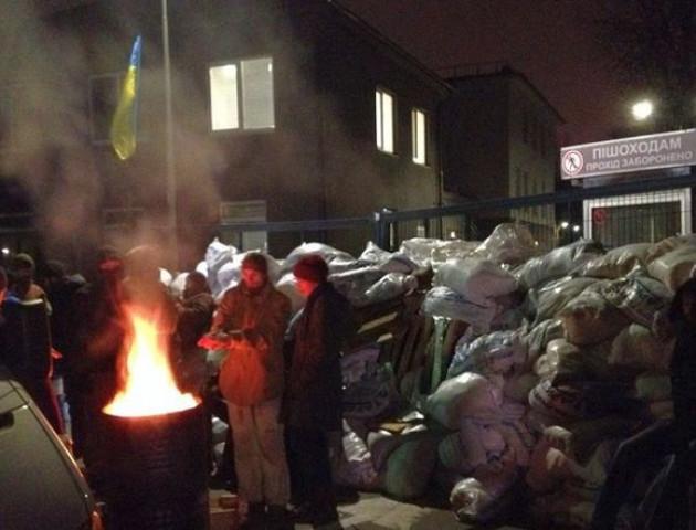 Активісти пообіцяли заблокувати всі «ватні телеканали» України