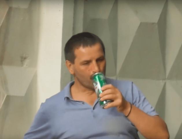 Волиняни у столиці: прокурор Василь Смітюх «засвітився» на Infiniti, та ще й з пивом у руках
