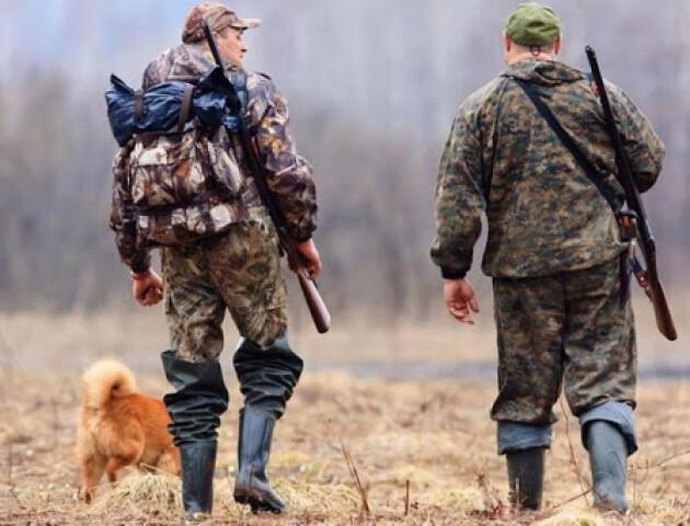 Біля Луцька мисливці підстрелили жінку. Її вмовляли не йти в лікарню, - ЗМІ