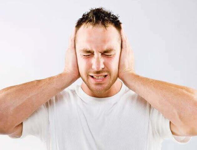 Чим небезпечний шум у вухах
