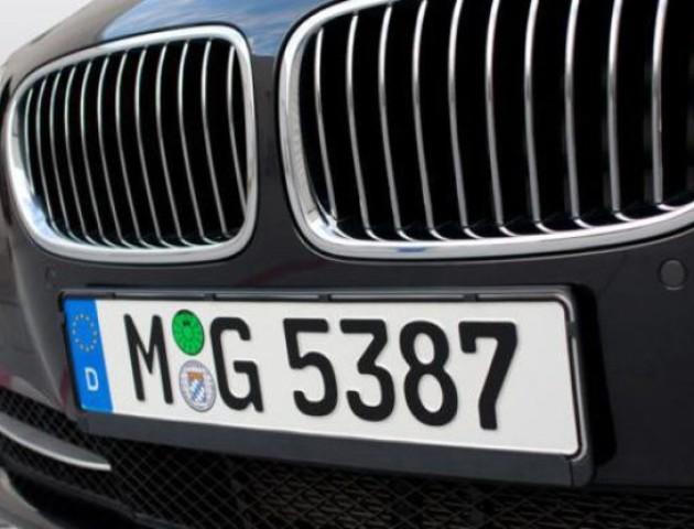 Поляк оформив на себе 3,5 тисячі автомобілів для українців
