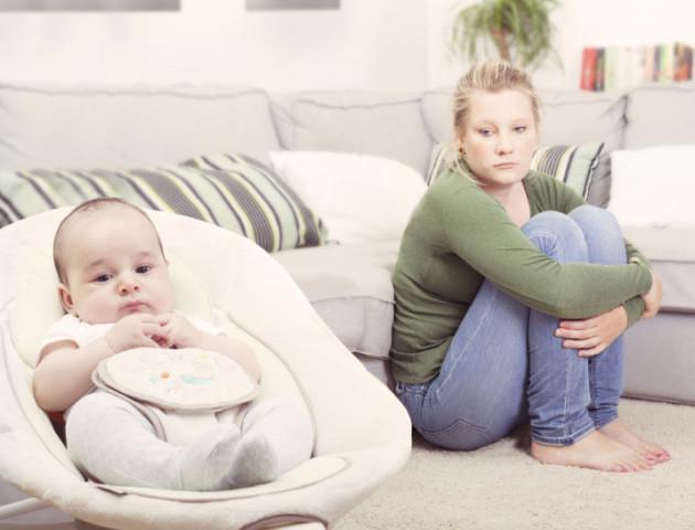 Розповіли, яким мамам загрожує післяпологова депресія
