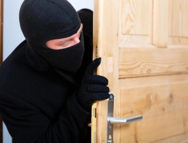 Золото, гроші, зброя: на Ковельщині - серія квартирних крадіжок