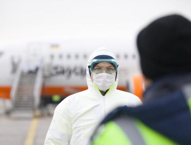 З Китаю евакуюють ще двох українців, - Зеленський