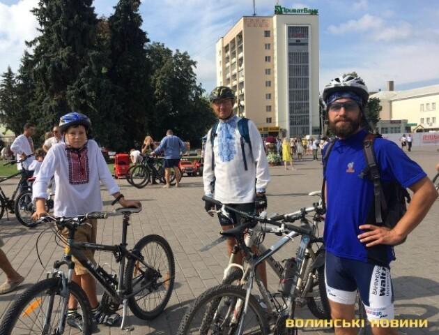 У Луцьку влаштували патріотичний велопробіг: як це було. ФОТО
