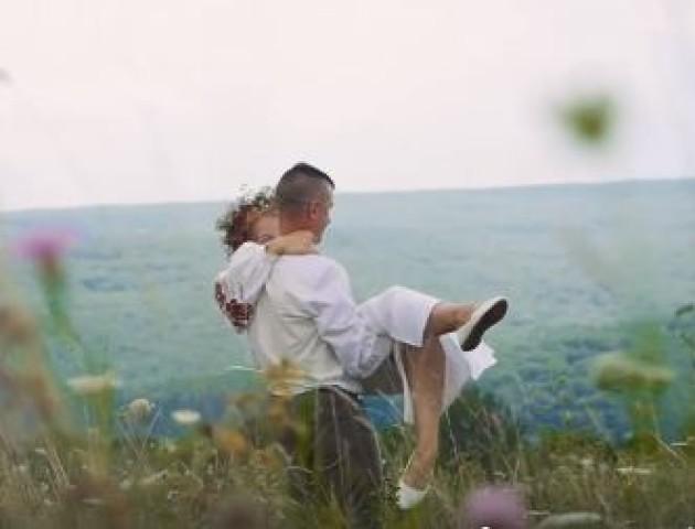 Зворушливе відео з весілля волинського сільського голови. ВІДЕО