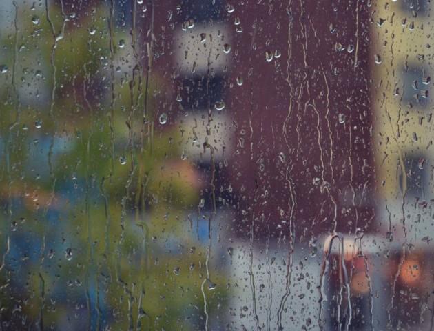 З понеділка в Україні – сильні дощі та грози