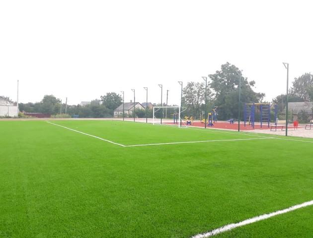 У громаді під Луцьком відкриють сучасне футбольне поле. ФОТО