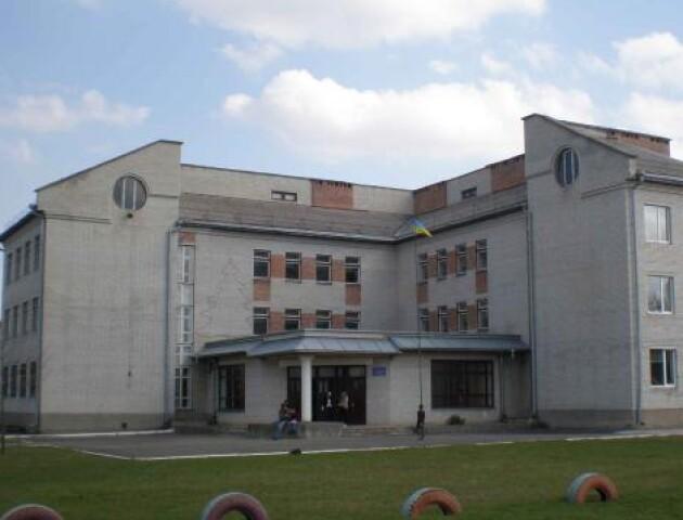 Влада Луцька обіцяє взятися за добудову 13-ї школи вже наступного року. Гроші проситимуть у держави