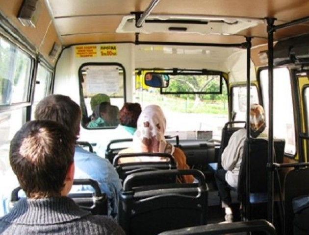 Хто розпалює ворожнечу між луцькими водіями та пасажирами. ВІДЕО
