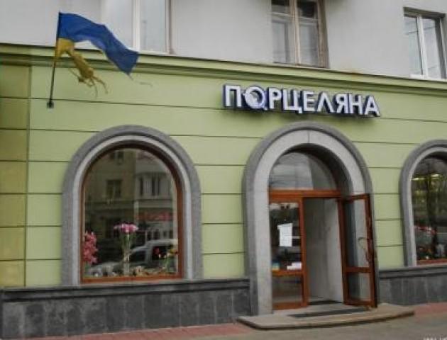 Злодійку піймали, а злодій утік: у центрі Луцька хотіли обікрасти магазин