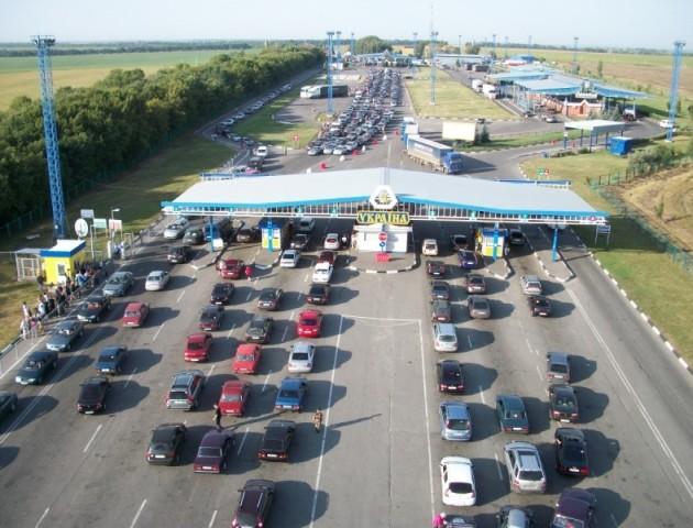 У Польщі хочуть закрити «зелені смуги» на кордоні для українських авто, – ЗМІ