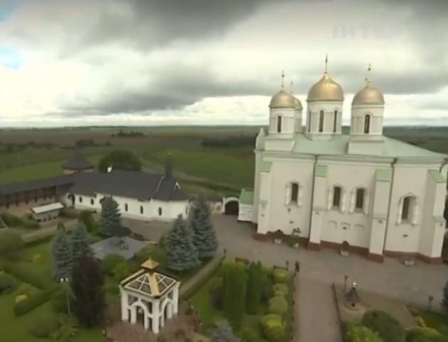 У Зимненському монастирі волиняни молилися за мир в Україні. ВІДЕО