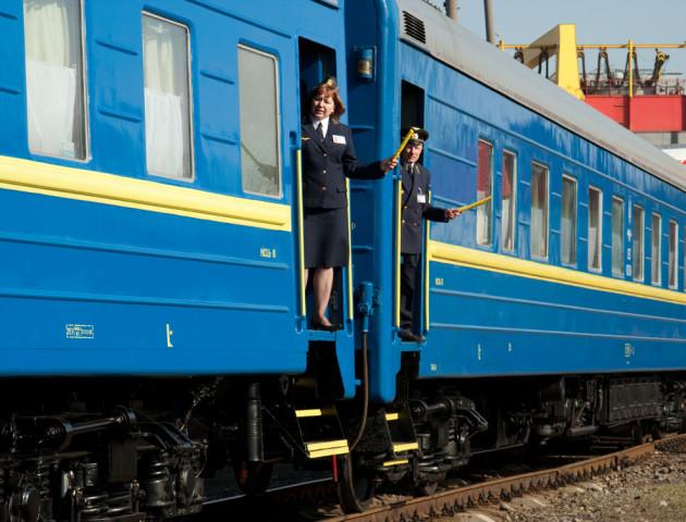 Провідники більше не митимуть підлоги в потязі