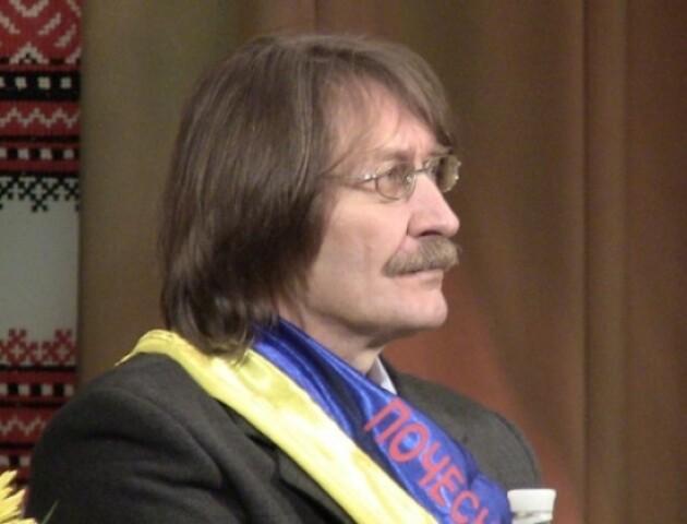 Волинський письменник відреагував на участь в антипремії «Золотий хрін»