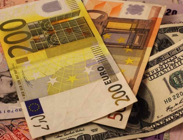 Курс валют на 1 листопада: гривня продовжує зміцнення