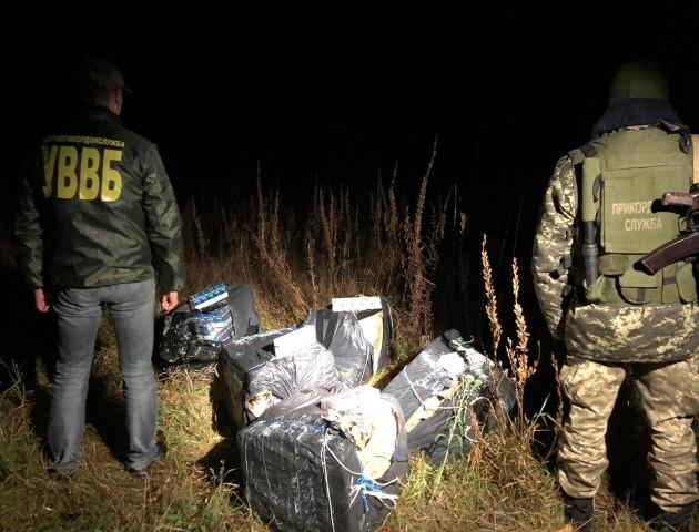 Цигарки через Західний Буг: волинські прикордонники викрили контрабандистів на кордоні з Польщею