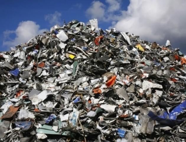 На громадських слуханнях вирішуватимуть, чи давати землю для сміттєвого полігону під Луцьком