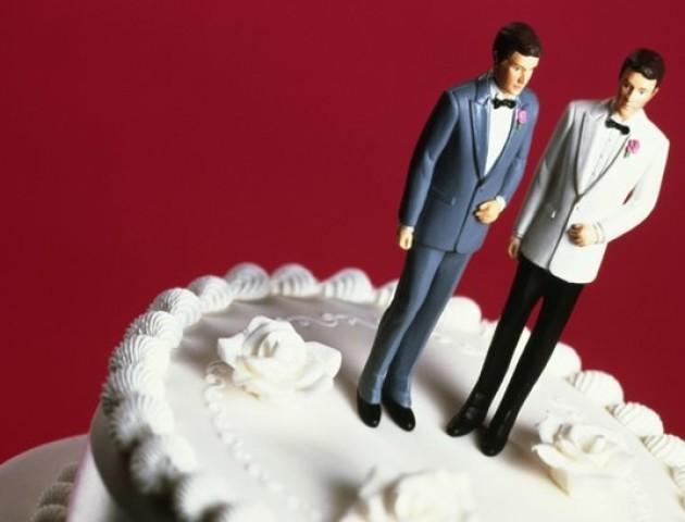 85-річний ірландець одружився на своєму другові, щоб не платити податки