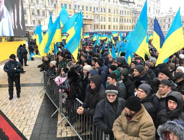 У Києві тисячі вірян вийшли підтримати Об'єднавчий собор. ФОТО. ВІДЕО
