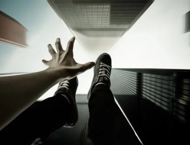 «Смерть не можна повернути у зворотньому керунку», - луцький психолог про самогубства
