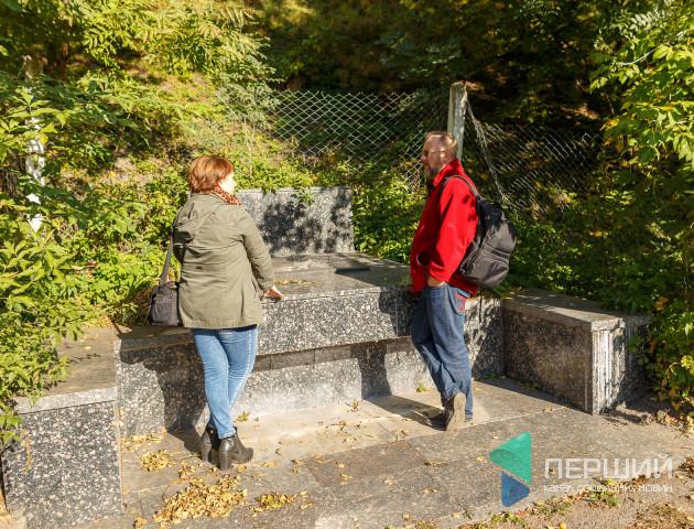 Під пам'ятником радянським підпільникам можебути могила жертв розстрілу в Луцькій тюрмі, - історик