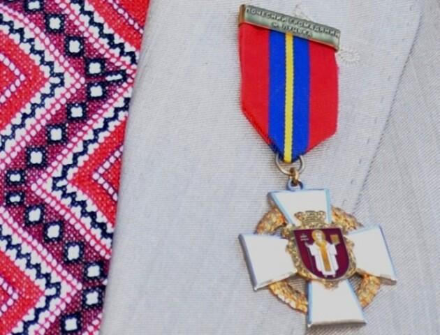 На звання «Почесний громадянин Луцька» – 9 кандидатів. Кого депутати підтримали, а кому – відмовили