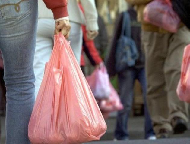 У Любешеві хочуть заборонити одноразові поліетиленові пакети