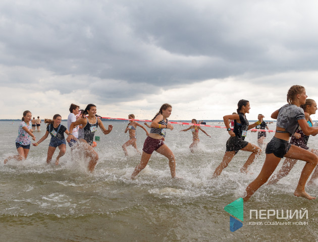 На Світязі відбувся перший пробіг по воді «ЕСО WATER RUN». ФОТО