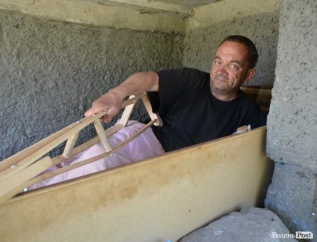 «Півжиття по електричках»: історія луцького безпритульного. ФОТО