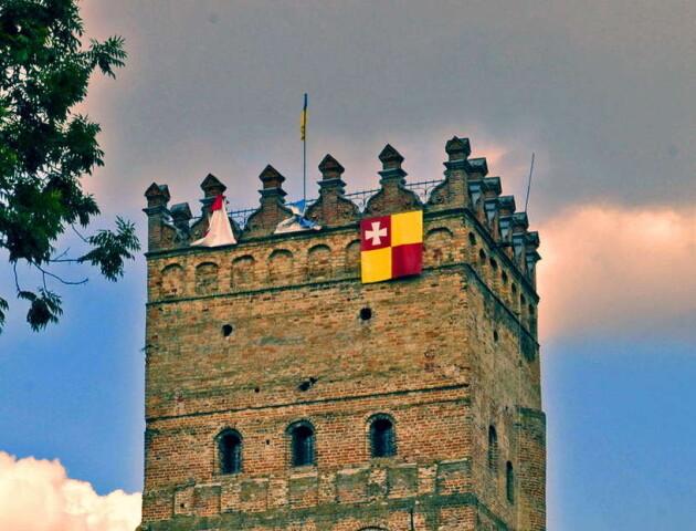 Звідки «зуби» у Луцького замку
