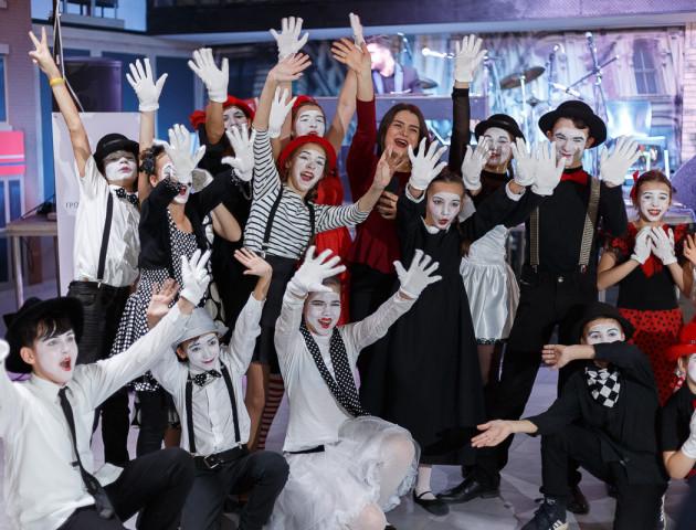 Культурна провокація волинських митців: «діти Сковороди», музичний сейшн та маленькі міми. ВІДЕО