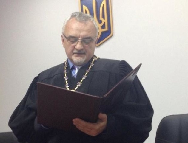 Суддя відпустив двох підозрюваних у вбивствах на Майдані